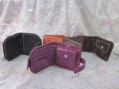 革財布 Leather bi-fold wallet hand stitched  (purple)
