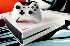 Totally want the white XBOX One when it's released.