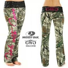 Mossy Oak Camo pants- they look so comfy! Country Girls Outfits, Country Girl Style, Country Fashion, Country Wear, Country Shirts, Mommy Style, Country Music, Camo Yoga Pants, Pj Pants