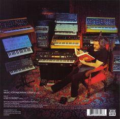 Matt Berry ! Matt Berry, Acid Jazz, Spaceships, Berries, Stars, Music, Space Crafts, Musica, Musik