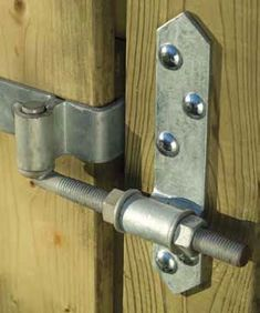 Free Solid Board or Dumpster Gate Plans Rear Eye Hinges - Double Gates, both same size & different sizes, plans include all lumber sizes and recommended gate hardware for a strong, sturdy good looking gate Gate Hinges, Barn Door Hardware, Metal Projects, Welding Projects, Furniture Hardware, Metal Furniture, Diy Welding, Wooden Gates, Metal Working Tools