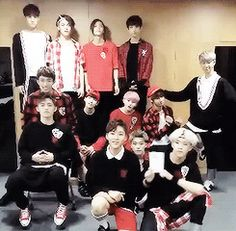 I can't with Minghao and Junhui. And Soonyoung in the front. And Junghan in the back. xD