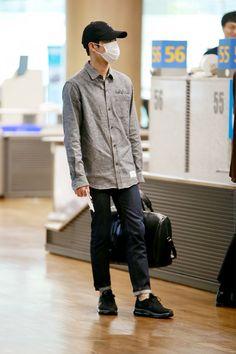 Suho - 161005 Incheon Airport, arrival from Fukuoka Credit: Ideal J. (인천공항 입국)