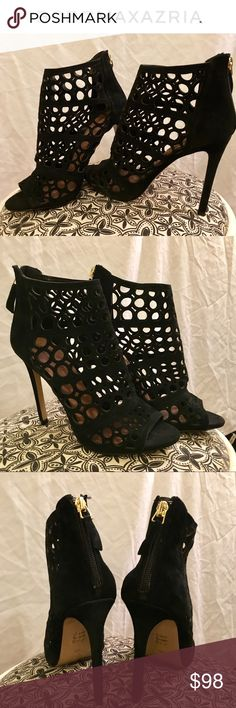✨NEW!✨ Laser cut peep toe ankle booties Gorgeous & sleek!!! Perfect for the transition into Fall! 💝NEW! Never been worn! They still have all the stickers, but sadly, I lost the box. NOTE: With this brand, (and definitely at least with this shoe in particular), size 39 is equivalent to 7.5 BCBGMaxAzria Shoes Ankle Boots & Booties