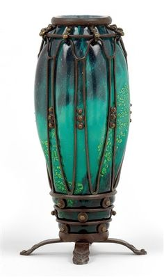 Vase with patinated iron mount par Daum and Louis Majorelle