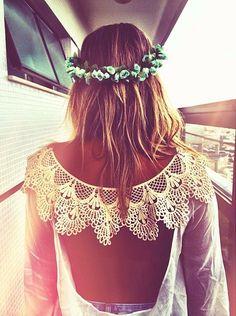 Beach beauty with soft pastels and beautiful open back lace dress! Kaunista rantatyyliä: pastellivärejä ja upea selästä avonainen pitsimekko.
