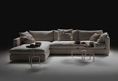 Magnum flexform is the sofa archetype. With its elementary form, perfect proportions, comfortable padding and wooden base, MAGNUM is a set of sofa components with such a reassuring. Magnum Flexform starting from € Black Panthers, Sofa Design, Interior Design, Luxury Italian Furniture, Magnum, Corner Sectional, Sectional Sofas, Furniture Manufacturers, Fabric Sofa