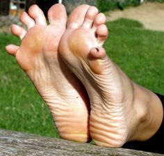 Sexy Toes, Perspective, Wall