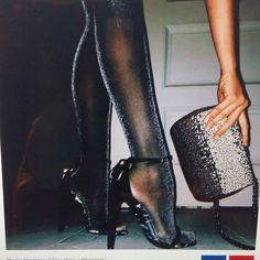 VOGUE NEWS&TRENDS Fall/Winter...Clitter SOCKS&TIGHTS...Like&ENJOY, U? INFO MyBLOG&VOGUE...SEE U. @voguemagazine @stylevoguette #world #fashion #trends #accessories #socks #tights #trend #blog☺