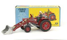 Mettoy Corgi diecast Massey Ferguson 165 Tractor with shovel Retro Toys, Vintage Toys, Automobile, Kids Cars, Corgi Toys, Toy Display, Hobby Toys, Ford Tractors, Farm Toys