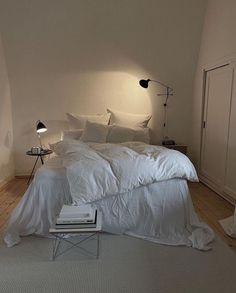 Room Ideas Bedroom, Home Bedroom, Bedroom Decor, Bedrooms, Dream Rooms, Dream Bedroom, Aesthetic Room Decor, Dream Home Design, Minimalist Bedroom