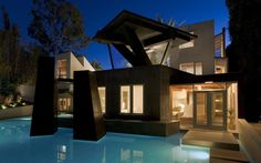 Frank Gehry - Schnabel House.  Brentwood Ca.