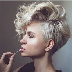 40+Best Short Hairstyle May 2019 Special - Short haircuts can look great on your slim face. Numerous individuals state that hair is a crown for each lady. The announcement is by all accounts ge... -  #colorfulhair #haircut #shorthaircut #shorthairstyles