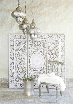 DIY Moroccan-Style Wall Stencil Tutorial - Renewed House - Home Decor Ideas Modern Moroccan Decor, Morrocan Decor, Moroccan Interiors, Moroccan Design, Modern Decor, Moroccan Lanterns, Moroccan Wall Art, Moroccan Bedroom Decor, Morrocan Bathroom