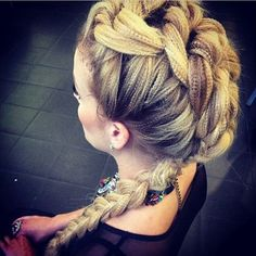 Knotted plaits crimped