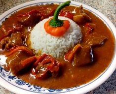 Vepřové maso na kapiích, rajčatech, víně s rýží - krok 1