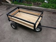 como hacer un carrito para jalar how to make a pull wagon Aluminum Utility Trailer, Bike Wagon, Trailer Dolly, Metal Fabrication Tools, Folding Trolley, Small Camper Trailers, Bike Cart, Pull Wagon, Electronic Workbench