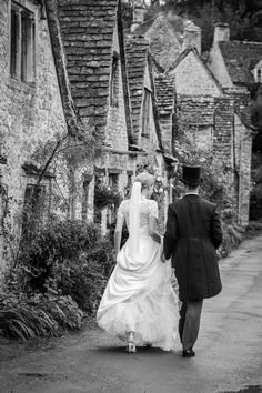 Claire & Nick's Cotswold wedding at The Swan in Bibury Wedding List, Wedding Car, Flower Girl Hairstyles, Bride Hairstyles, Uk Wedding Cakes, Swan Hotel, Groomsmen Suits, Bridesmaid Flowers, Celebrity Weddings