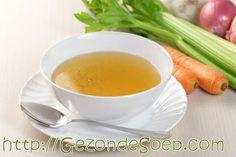 Ga zelf makkelijk en goedkoop -of gratis- thuis groentebouillon maken volgens dit beproefd recept met tips: dus altijd lekkere soepen, sauzen en stoofpotjes.