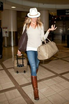 Cameron Diaz | hat + hair straight and down + nude sweater + skinny jeans + brown riding boots