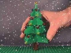 How to Build a LEGO Christmas Tree