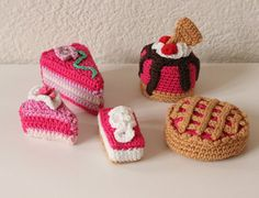Hey, I found this really awesome Etsy listing at https://www.etsy.com/listing/254747988/crochet-cupcakes-amigurumi-cupcakes