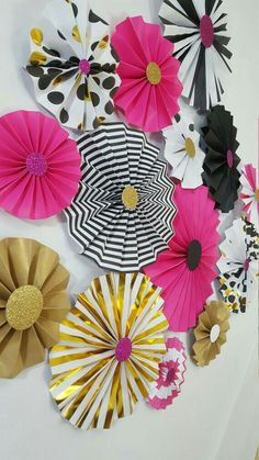 Kate Spade Inspired Black and Pink Rosettes Party or Photography Backdrop by eventprint on… Kate Spade Party, Kate Spade Bridal, Bridal Shower Kate Spade, Paper Rosettes, Paper Flowers, 30th Birthday Parties, Gold Party, Party Time, First Birthdays