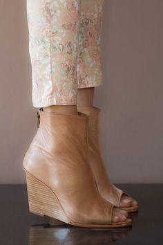He encontrado este interesante anuncio de Etsy en https://www.etsy.com/es/listing/184749747/womens-shoes-wedge-shoes-leather-wedges
