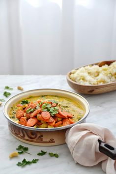 "Simple comme un smoothie ""bonne mine"" Asian Recipes, Ethnic Recipes, Chana Masala, Healthy Dinner Recipes, Crockpot, Simple, Veggies, Meals, Vegan"