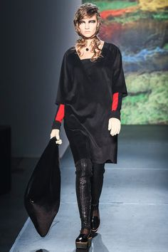 MM6 Maison Martin Margiela Fall 2013 Ready-to-Wear Collection Slideshow on Style.com