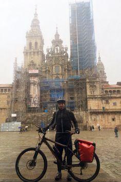 Camino de Santiago 23-26 Nov 2015  Día 1: Astorga-Foncebadon, 28'5kms ,Altura 1440mts, 2horas  Día 2: Foncebadon-Hospital Condesa, 96kms, Altura 1260mts, 8 horas  Día 3: Hospital Condesa-Melide, 102kms, 8horas  Día 4: Melide-Santiago, 53kms, 4horas  22 horas en bici, 11 horas lloviendo  Distancia oficial: 261 kms, distancia total: 279,5 kms Temp: min -1C a max 8C  1 pinchazo