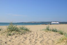 Sandbanks is unquestionably one of the best beaches along the South coast of Britain. And it's one of the most stylish too :) So don't forget to bring your shades!