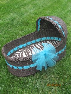 how to make a baby basket - I need one of these for the first week or so when baby comes