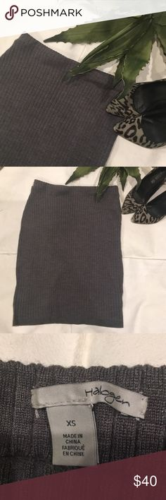Chic skirt❣️ Super cute grey body con skirt, worn once. It's in excellent condition! Halogen Skirts Pencil