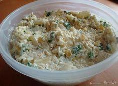Sałatka z kurczakiem gyros, ryżem i ananasem