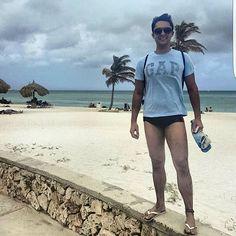 Hey queridores 😃✌!!! Vamos a quarta parada dessa viagem incrível ao Caribe!? Já está no ar a passagem pela linda ilha de ARUBA - Abril/2016. Não deixem de conferir 🏖🌴. Agradeço muuuuito a visita, comentário, sugestões, curtidas, dúvidas, contatos... Meus textos vão ser sempre em forma de diário. Conto com vocês. Acompanhem. Obrigado e obrigado.  Bjos e abraços. 😘 Viajei_Compartilhei  www.viajeicompartilhei.com.br  #vista #instatravel #instatrip #travelgram #wanderlust…