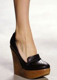 LOVE THESE chloe wedges (Does anyone know what season they're from?)