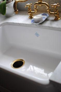 Such a beautiful sink.