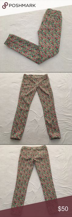 J. Crew Liberty Floral Toothpick Ankle Jeans Liberty floral printed ankle jeans by J. Crew. Great transition piece for the Fall! Great condition. No rips or stains. Waist: 13.5 inches. Inseam: 26 inches. 98% cotton 2% elastane. ❌No trades❌ J. Crew Jeans Ankle & Cropped