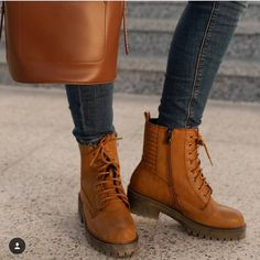 Amongst the items of the fall/winter season clothing that keeps one excited is without doubt boots, boots and even more boots. Ankle boots trends of this year Timberland Boots Outfit, Mens Shoes Boots, Fall Shoes, Sock Shoes, Shoe Boots, Yellow Boots, Brown Boots, Trendy Accessories, Trendy Shoes
