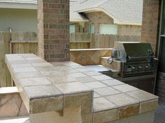 Small Outdoor Kitchen Pictures - view our gallery of outdoor kitchens. Find reliable contractors and kitchen designing ideas that turn backyards into Outdoor Living Space, Kitchen Pictures, Outdoor Decor, Small Outdoor Kitchens, Wellness Design, Outdoor Kitchen, Covered Back Patio, Patio Kitchen, Outdoor Living