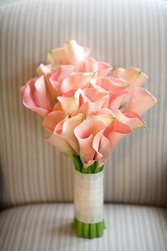 Flower Bar, Arizona, bridal bouquet of all blush calla lilies