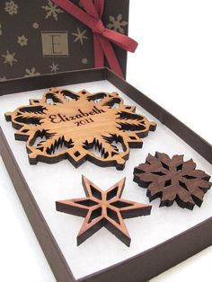 Personalized Christmas Ornament - Wood Snowflake Ornament Gift Box Set . Custom Engraved Snowflake by Timber Green Woods