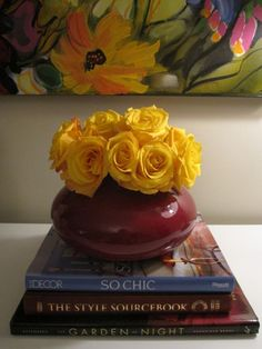 idea-contrast flowers with vase