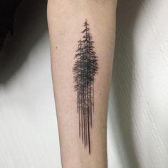 tatouage-arbre-pin-minimaiste-avant-bras-homme