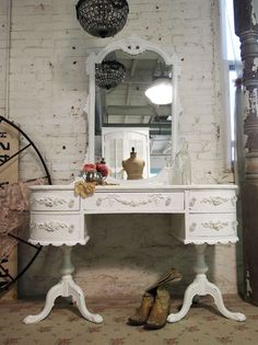 RESERVE SANDY Painted Cottage Romantic One of A Kind French Vanity VAN230