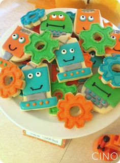 Robot cookies - so cute! (From Craftiness Is Not Optional)