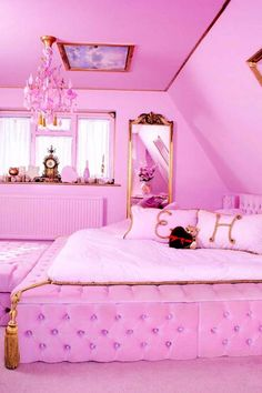 Millennials, Prepare to Flip Out Over This Real-Life Barbie Dream House Airbnb - Traumhaus Pink Bedroom Design, Pink Bedroom Decor, Pink Bedroom For Girls, Girl Bedroom Designs, Light Pink Bedrooms, Neon Bedroom, Teen Room Designs, Royal Bedroom, Dreamhouse Barbie