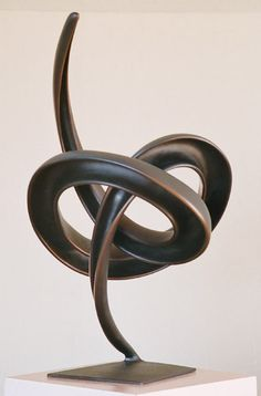 Bronze Sculpture by New Zealand artist Trevor J. A gallery of abstract and representational works of art. Metal Art, Wood Art, Art Sculpture, Sculpture Images, Modern Art Deco, Public Art, Sculpting, Glass Art, Contemporary Art