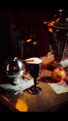 WASSAIL PUNCH Bulleit Bourbon, sirope de manzana asada, shrub de apio y soda de suero de queso. #coctel #cocktail #WorldClass #BorjaCortina @VarsoviaGijon